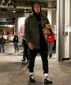 Jordan Clarkson in the Off White x Nike Air Force 1 Low Nba Fashion, Look Fashion, Streetwear Fashion, Mens Fashion, Fashion Outfits, Swag Outfits Men, Trendy Outfits, Celebrity Sneakers, Nike Air Force 1 Outfit