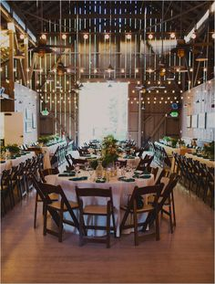 fancy barn reception @weddingchicks