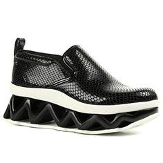 Marc  by  Marc  Jacobs  womens  ninja  wave  slip  on  sneakers  black