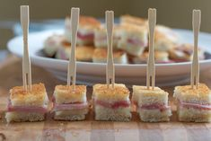 a traditional French ham and cheese sandwich, made in bite sized form! The easiest and tastiest appetizer ever! French Snacks, French Appetizers, Mini Appetizers, Healthy Appetizers, Appetizer Sandwiches, Party Sandwiches, Bastille, French Sandwich, Thinking Day