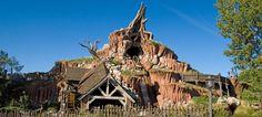 Day 9 in our countdown to #Disneyland: #SplashMountain! Image ©Disney Parks