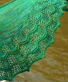 Ravelry: Waveline Shawl pattern by Linda Wilgus