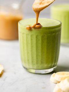 Spinach Banana & Peanut Butter Smoothie - The Mindful Hapa Peanut Butter Smoothie, Peanutbutter Smoothie Recipes, Peanut Butter Banana, Protein Smoothie Recipes, Healthy Cookie Recipes, Peanut Butter Protein, Peanut Butter Recipes, Healthy Cookies, Healthy Food