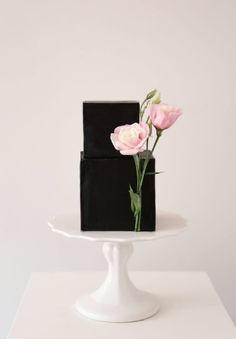small wedding cakes For Two Wedding Cake Designs, Wedding Cake Toppers, Black Wedding Cakes, Purple Wedding, Gold Wedding, Floral Wedding, Modern Cakes, Wedding Cake Inspiration, Floral Cake