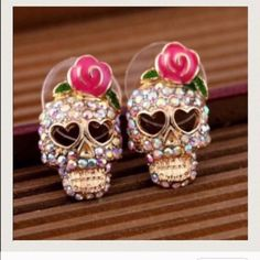 Skull earrings 💗💗Super cute earrings $9.00 a pair! Ask me about bundle deals! 💗💗 NO TRADES and PRICE IS FIRM unless bundling!! Happy Poshing ❤️ Jewelry Earrings