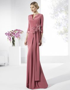 Long Mother of the Bride Dresses 13 Cute Picture Options! Bridesmaid Dresses, Prom Dresses, Formal Dresses, Wedding Dresses, Bride Dresses, Elegant Outfit, Elegant Dresses, Gowns With Sleeves, Timeless Fashion