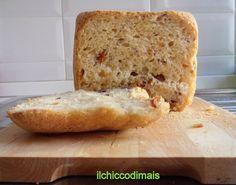 pane piccante con olive e pomodori secchi ricetta con macchina del pane il chicco di mais