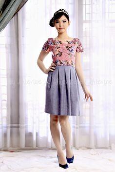 batik dress   Dewi Sundari Dress   DhieVine   Redefine You Batik Kebaya, Batik Dress, Batik Fashion, Ethnic Fashion, Fashion Brand, Women's Fashion, Fashion Design, Batik Couple, Brokat