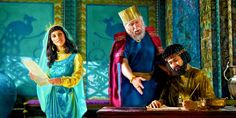 Queen Esther wisely chose the time to speak to the king. How did Esther reveal Haman's evil plot at a banquet? Queen Esther Bible, Book Of Esther, Images Bible, Bible Pictures, True Faith, Faith In God, Queen Esther Costume, Reine Esther, Art Of Persuasion