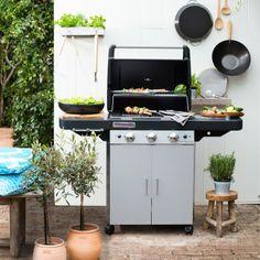 Heerlijk buiten kokkerellen! Wat is er leuker dan koken en eten in je eigen tuin of op je balkon? Met een barbecue creëer je gezelligheid én lekker eten. #Intratuin #barbecue #bbq #buiten #eten