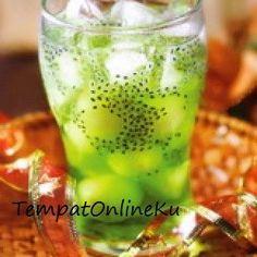 es squash melon selasih Squash Drink, New Menu, Summer Drinks, Cold Drinks, Street Food, Asian Recipes, Cake Recipes, Food And Drink, Yummy Food