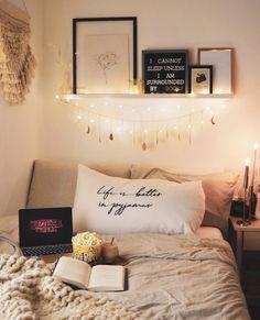 Romantic Bedroom Decor Ideas With Plant Theme ~ Comfortable Home Cute Room Ideas, Cute Room Decor, Romantic Bedroom Decor, Bedroom Ideas, Bohemian Bedrooms, Deco Studio, Tumblr Rooms, Aesthetic Room Decor, Cozy Room