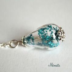 Sautoir goutte verre soufflé - fleur séchée gypsophile bleu - bijou nature - poésie