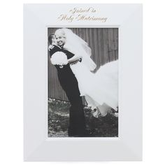 Simple and elegant wedding memory photo frame. Classic look that will never fade with age.