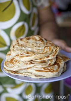 ieatishootipost blogs Singapore's best food: Mr and Mrs Mohgan's Super Crispy Roti Prata: Excellent Mom n Pop Shop Prata!