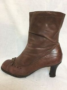 LADIES CLARKS LIGHT BROWN LEATHER ANKLE BOOTS SIZE 4