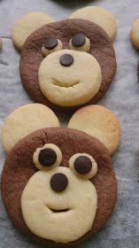 Bugün bu kurabiyeleri arkadaşımın oğlunun doğum günü için yaptım ,yapması oldukça zevkliydi.Tadıda güzel o...