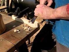 Fa evőkanál készítése kézműves eszközökkel. www.famuves.hu