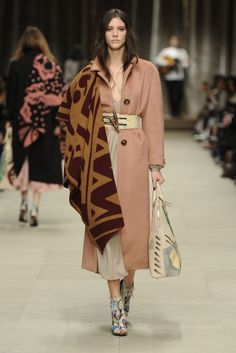 Burberry Prorsum RTW Fall 2014 - Slideshow - Runway, Fashion Week, Fashion Shows, Reviews and Fashion Images - WWD.com