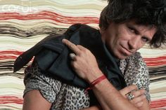 Keith Richards, the guitarist for the Rolling Stones, poses wearing a leopard shirt. Get premium, high resolution news photos at Getty Images Rolling Stones Logo, Like A Rolling Stone, Keith Richards, Lynn Goldsmith, Bill Wyman, Patti Hansen, Ron Woods, Marianne Faithfull, Music Photographer