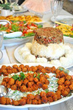 Uzun zamandır yemekte misafir ağırlamamıştım. Cumartesi öğlende misafirlerim için hazırlığa girişirken, gerek menü oluştururken, gerek...