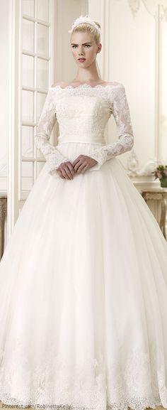 BIZET: Robe de mariée courte devant et longue derrière. Buste en ...