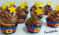 ✨ Mini cupcake Show da Luna recheado com trufado de maracujá e coberto com mousse de chocolate Decore a mesa e encante seu paladar ✨ #bombolinhodoce #cupcakedecorado #sweetparty #happybirthday #showdaluna #trufadodemaracujá #chocolate #delicious #cake #cozinhaartesanal #feitocomcarinho #embudasartes Cupcake Show Da Luna, Cakepops, Sweet Party, Cupcakes, Mini, Birthday, Desserts, 1, Gaia