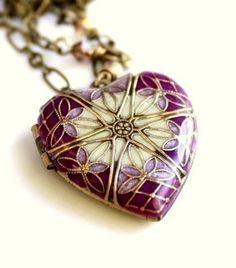 Locket, Purple Heart Locket, Wedding Necklace, Bridesmaid Necklace, Resin Locket, Vintage Locket