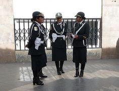 https://flic.kr/p/68EBxm | Peru, Women cops