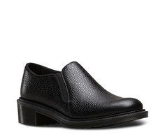 Der Double-Gusset-Schuh Rosyna ist aus vornehmem Pebble-Leder gefertigt. Sein schlanker Leisten und die dünnere Zwischensohle sorgen für eine klarere, elegantere Silhouette. Die klare Aufteilung und das luxuriöse Lederfutter untermauern die hochwertige Note. Die federnde, robuste Airwair-Sohle ist für maximalen Komfort und Flexibilität Goodyear-rahmengenäht sowie öl- und fettresistent und bietet hervorragende Abriebfestigkeit und Rutschsicherheit.
