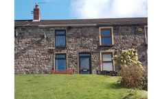 2 beds terraced - Available. 54 Heol Glein, Lower Cwmtwrch, #Swansea, Swansea. SA9 2TT. We are pleased to offer for sale a 2 Bed. mid terr. cottage, in the popular village location of Cwmtwrch. Property offers; Reception, kitchen & bathroom to the ground floor, 2 Bedrooms to 1st floor. Elevated front garden offering mountainside views, low maintenance rear garden, garage. EPC-D Contact - Clee Tompkinson Francis, Ystradgynlais  22 Heol Egwlys, SA9 1EY  Site: www.ctf-uk.com. Tel: 01639 844426.