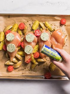 Mediterranean baked chicken with rosemary potatoes from the tray Recipe with . - Mediterranean baked chicken with rosemary potatoes from the tray Recipe with video Easy Soup Recipes, Pumpkin Recipes, Easy Dinner Recipes, Snack Recipes, Cooking Recipes, Healthy Low Carb Recipes, Healthy Snacks, Rosemary Potatoes, Rosemary Chicken