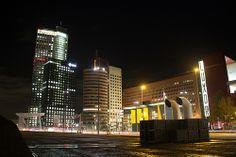 Rotterdam Kop van zuid at night