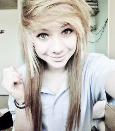 This girl is GORGEOUS I know it's not Wednesday but this is my women crush-Miranda