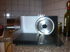 Bread and Meat Slicer: 15 Euros Photo #2