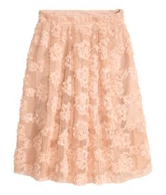 Knee-length, flared skirt in mesh with embroidered chiffon flowers | H&M Pastels
