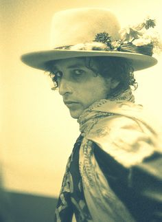 bob dylan- renaldo and Clara period with painted face