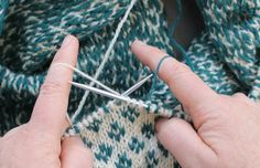 """Knitting_Tutorial -- """"This article gives several options for holding your yarn when doing Fair Isle or other color knitting. The method shown in the picture is my preferred way and is well worth learning!"""" ❤️ KnittingGuru ❤️"""