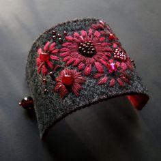 z amarantem i bordo (proj. agat.handmade), do kupienia w DecoBazaar.com