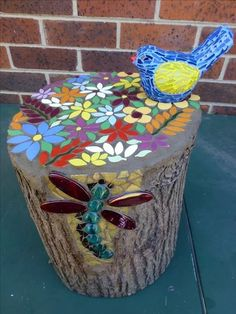 tree stump & bird for my mum and dad for xmas 2016 (Outdoor Wood Tree Stumps) Mosaic Crafts, Mosaic Projects, Mosaic Art, Mosaics, Pebble Mosaic, Mosaic Ideas, Garden Crafts, Garden Projects, Garden Art