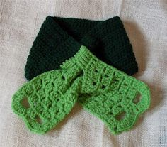 Super easy and lovely short scarf for lovers of green by Craftybegonia. FREE pattern.