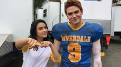 Find images and videos about riverdale, camila mendes and veronica lodge on We Heart It - the app to get lost in what you love. Riverdale Set, Riverdale Memes, Riverdale Archie And Veronica, Verona, Betty & Veronica, Veronica Roth, Camilla Mendes, Riverdale Aesthetic, Archie Andrews