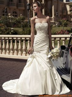 Belle robe de mariée sirène 2013 bustier broderies satin