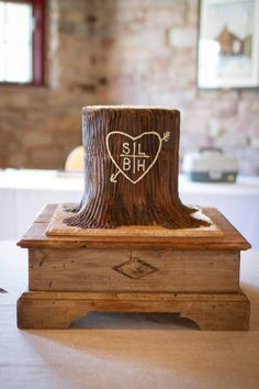 Rustic + natural | 17 Wedding Cake Ideas | Housley Photography