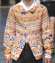 dolce & gabbana S/S 2013 Ethnic Fashion, 70s Fashion, Teen Fashion, Fashion Outfits, Fashion Today, Fashion Trends, Kenzo, Fashion Magazine Cover, Pattern Fashion