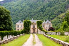 Go inside the revival of a forgotten French chateau. French Mansion, French Chateau Homes, Villas, Chateau De Gudanes, French Castles, French Countryside, French Cottage, French Country Decorating, Kirchen