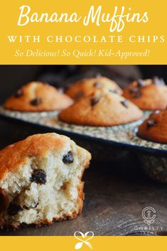 What a wonderful way to spend the summer morning by making these Banana Chocolate Chip Muffins with the kids... or by yourself for yourself! ❤️ Holiday Desserts, Easy Desserts, Delicious Desserts, Dessert Recipes, Yummy Food, Breakfast Recipes, Pastries Recipes, Cupcake Recipes, Muffin Recipes