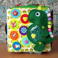 Развивающие мягкие книжки из фетра! Book Activities, Activity Books, Preschool Toys, Busy Book, Educational Toys, Cuba, Kids Toys, Quiet Books, Dragons
