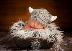 OMG adorable! make this hat mom!