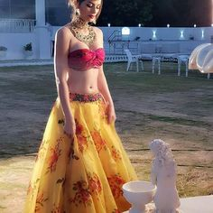 Sonali Raut - Most Attractive Indian Actress and Model Images Gallery Hollywood Actress Photos, Most Beautiful Hollywood Actress, Hollywood Heroines, Bollywood Bikini, Bollywood Actress, Tamil Actress, Beautiful Girl Indian, Beautiful Indian Actress, Sonali Raut